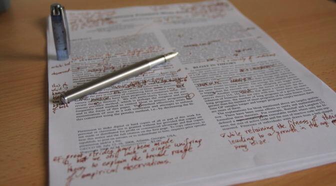 Írások értékelése + kiadónak benyújtható kézirat szerkesztése
